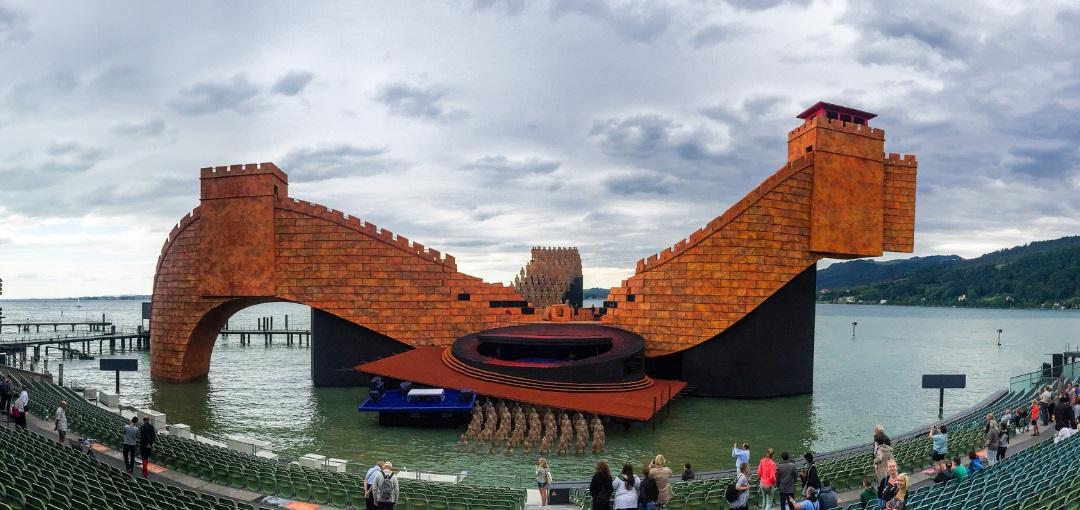 Chinesische Mauer Karte.Chinesische Mauer In Bregenz Karten Zur Premiere Von Turandot Am